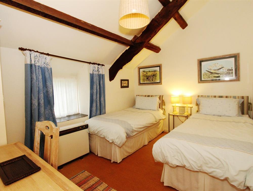 Y Bwthyn Bed 2